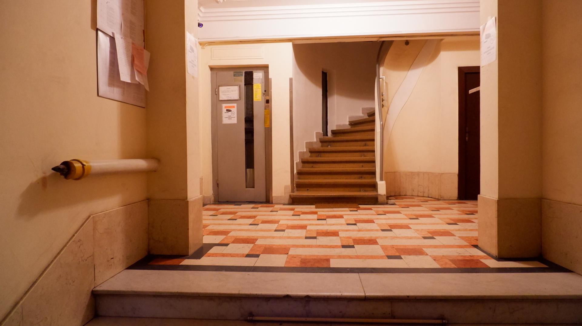 De inchiriat 3 Camere | Unirii | Parcare | Terasa |Metrou |Mitropolie
