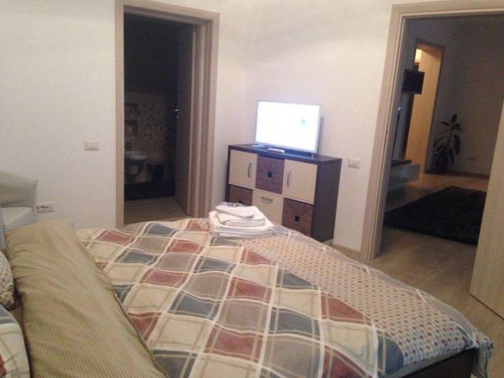 3 Rooms Apartment Stirbei Voda