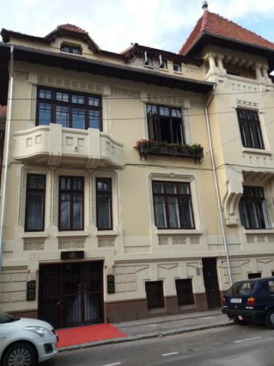 DACIA – Eminescu Romana Polona Inchirieri Case / vile Office Mansarda
