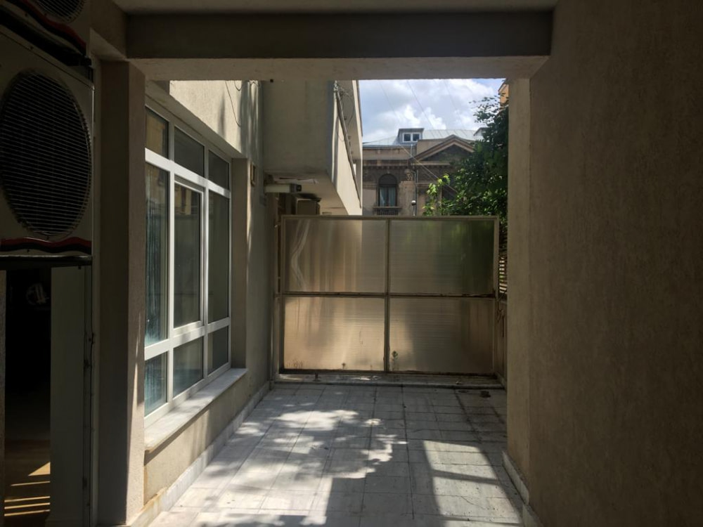 SOLD!!!!MITROPOLIE – Vanzari Apartamente 3 camere Terasa + Parcare