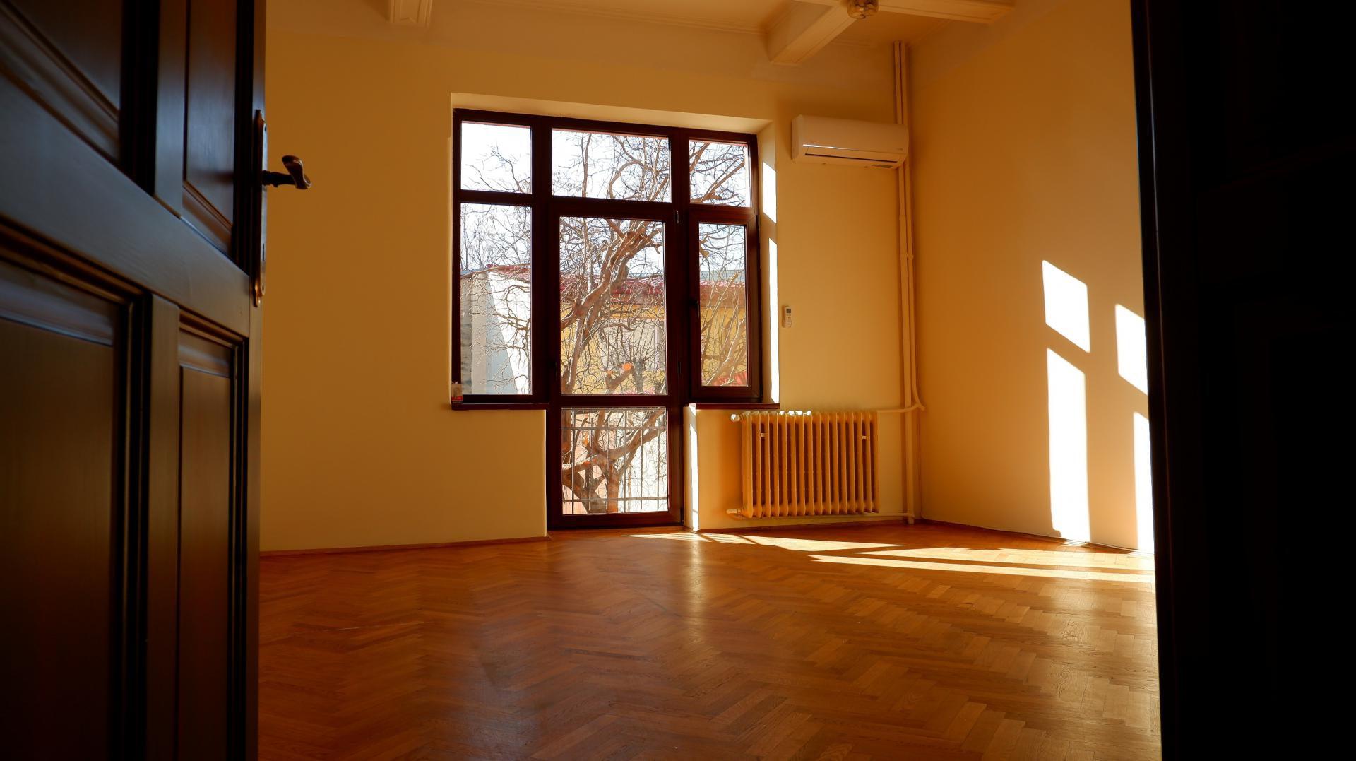 RENTED!!! Vila |Casa | Curte | De inchiriat | Victoriei | Cuza | Titulescu