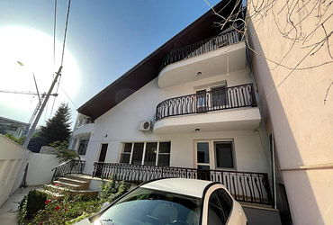 Casa Curte  6 camere| Vila | Caranfil | Herastrau | Cartierul Francez