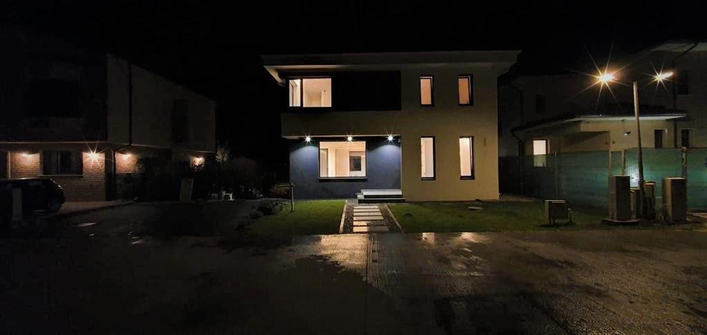 SOLD!!!!!! Casa/Vila | 4 Camere | Paradisul Verde | Corbeanca | 600mp